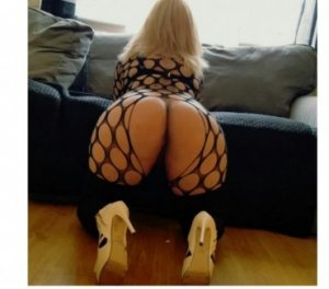 Garmia nature escorts in Riverton
